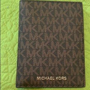 NWT Michael Kors Passport
